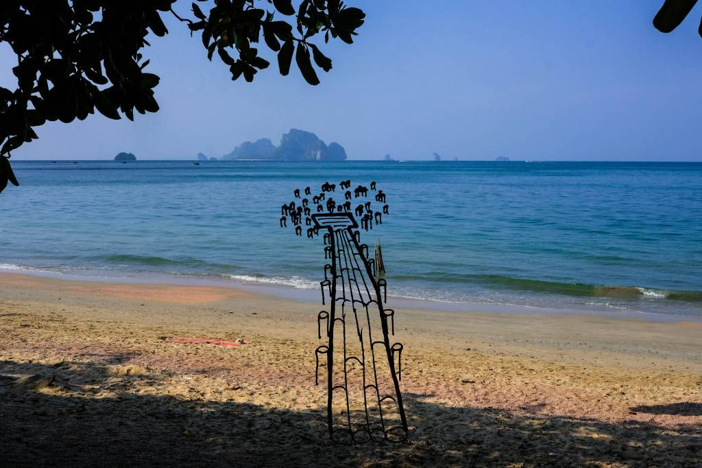 Installation on the picture Ao Nang - drawing felix