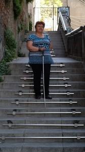Carmen Gloria en la escalera